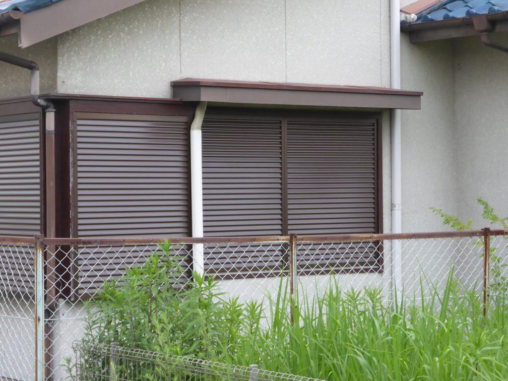 改修した1階南側の雨戸