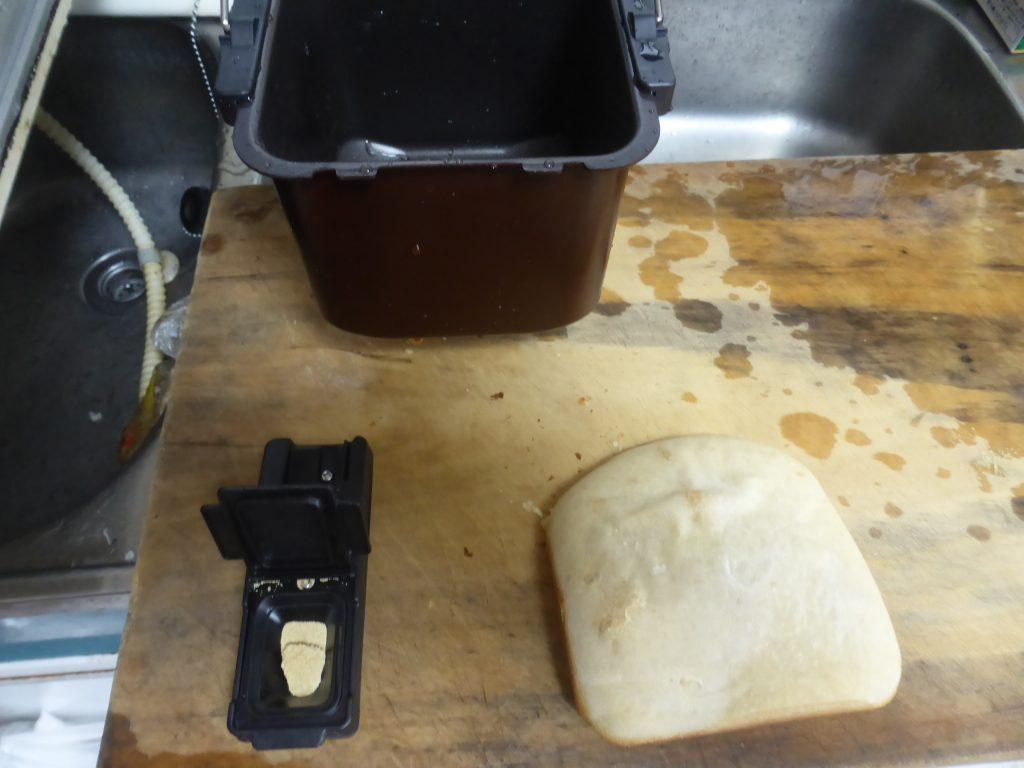 購入したタイガーのホームベーカリーは初期不良でパンが焼けない