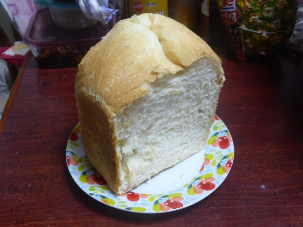 タイガーホームベーカリーで焼いたパンは外は薄皮でパリパリ、中はふわふわ