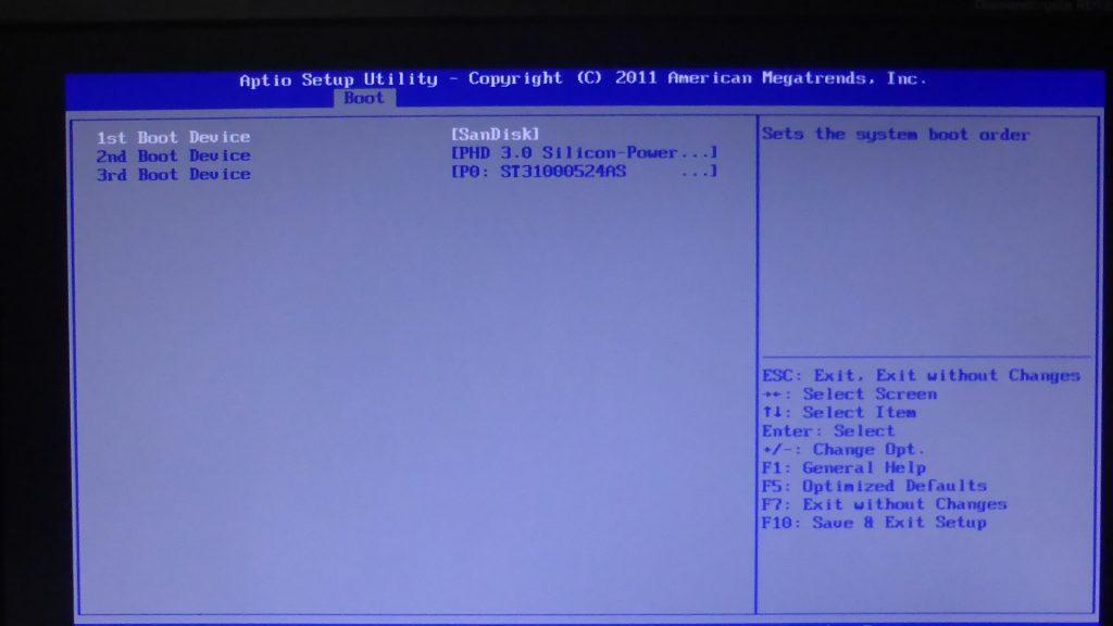BIOS設定画面で最初に起動するデバイスをUSBメモリー(SanDisk)に変更した
